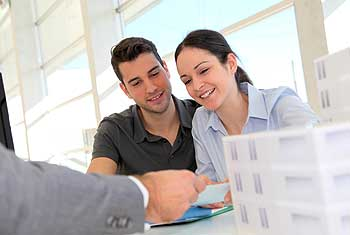 What do structured settlement brokers charge